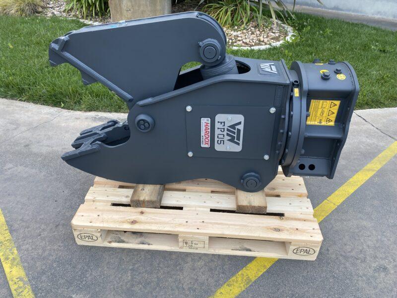 Rotating pulverizer